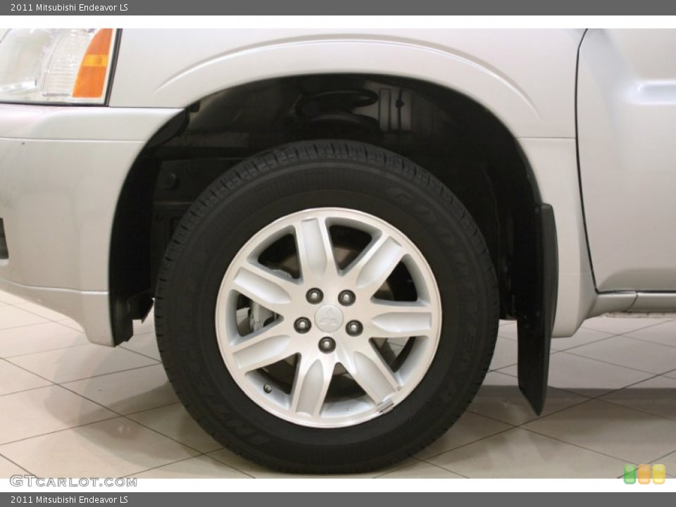 2011 Mitsubishi Endeavor LS Wheel and Tire Photo #75910123