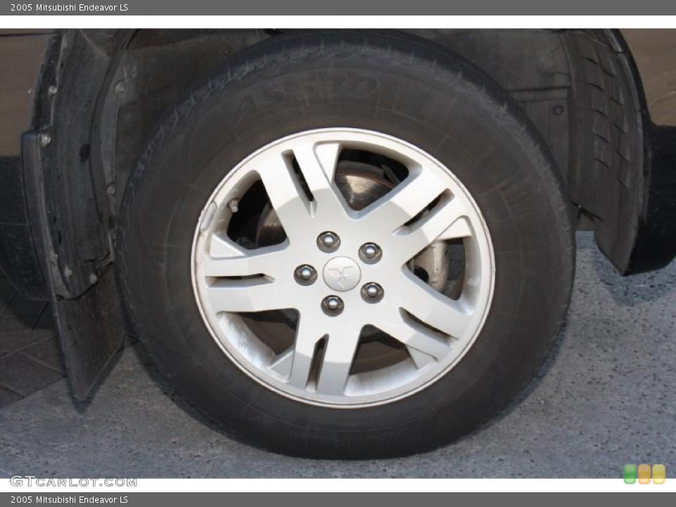 2005 Mitsubishi Endeavor Wheels and Tires