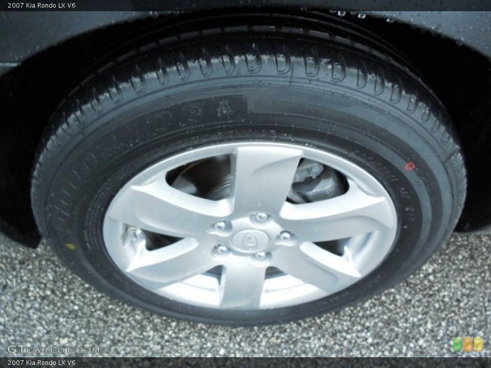 2007 Kia Rondo Wheels and Tires