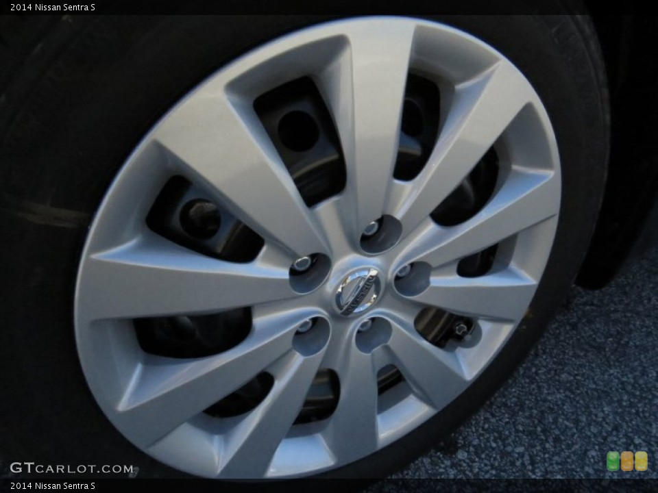 2014 Nissan Sentra Wheels and Tires