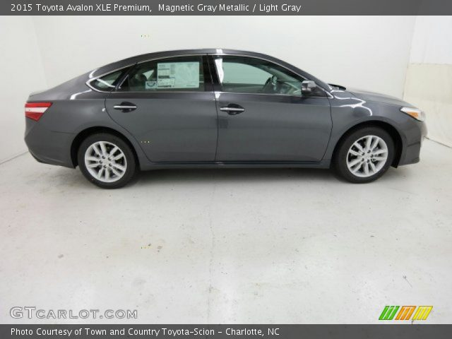 magnetic gray metallic 2015 toyota avalon xle premium light gray interior. Black Bedroom Furniture Sets. Home Design Ideas