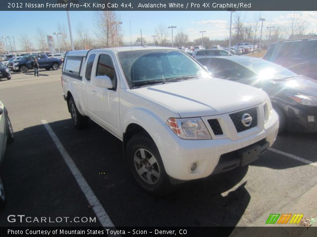 avalanche white 2012 nissan frontier pro 4x king cab 4x4 pro 4x graphite red interior. Black Bedroom Furniture Sets. Home Design Ideas