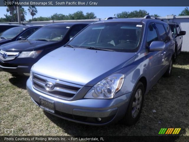 2007 Hyundai Entourage SE in South Pacific Blue