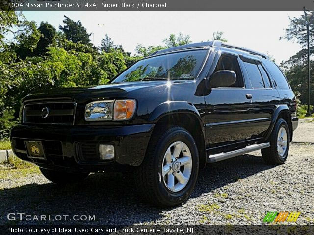 Super black 2004 nissan pathfinder se 4x4 charcoal interior vehicle archive for 2004 nissan pathfinder interior