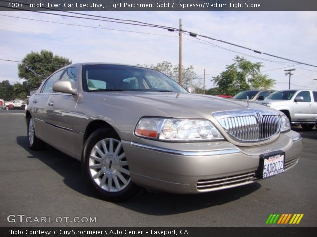 2003 Lincoln Town Car Executive in Light Parchment Gold