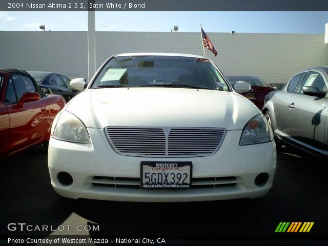 Satin White 2004 Nissan Altima 25 S Blond Interior Gtcarlot
