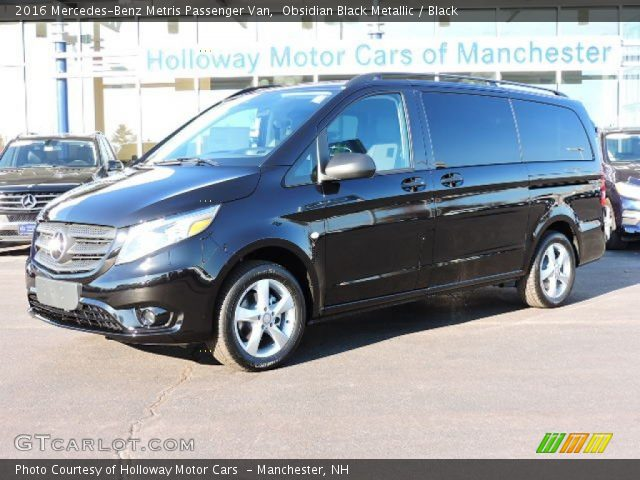 2016 Mercedes-Benz Metris Passenger Van in Obsidian Black Metallic