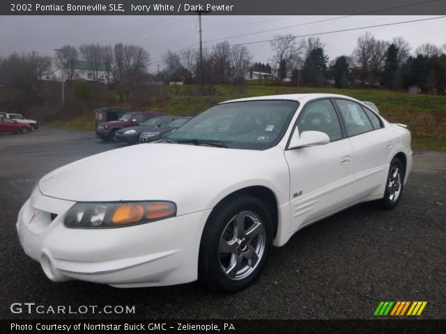 2002 Pontiac Bonneville SLE in Ivory White