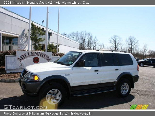alpine white 2001 mitsubishi montero sport xls 4x4 gray interior vehicle. Black Bedroom Furniture Sets. Home Design Ideas
