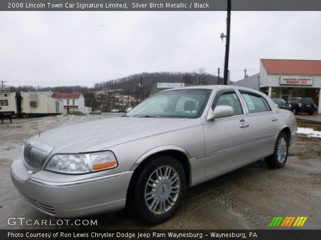 2008 Lincoln Town Car Signature Limited in Silver Birch Metallic
