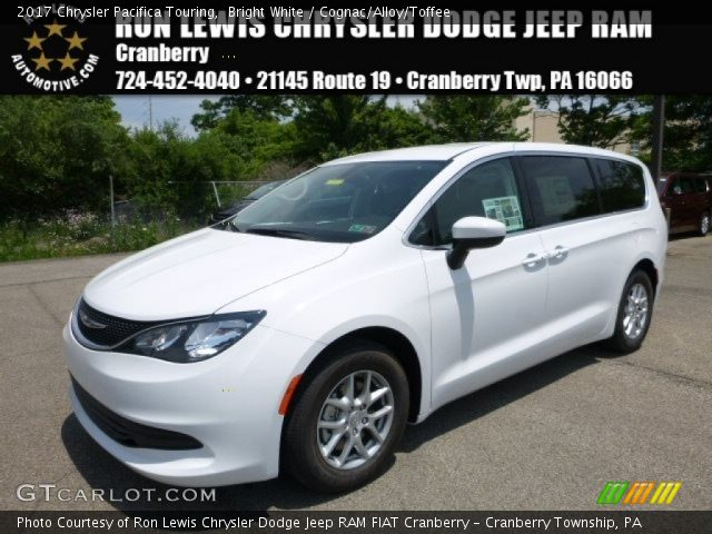 2017 Chrysler Pacifica Touring in Bright White