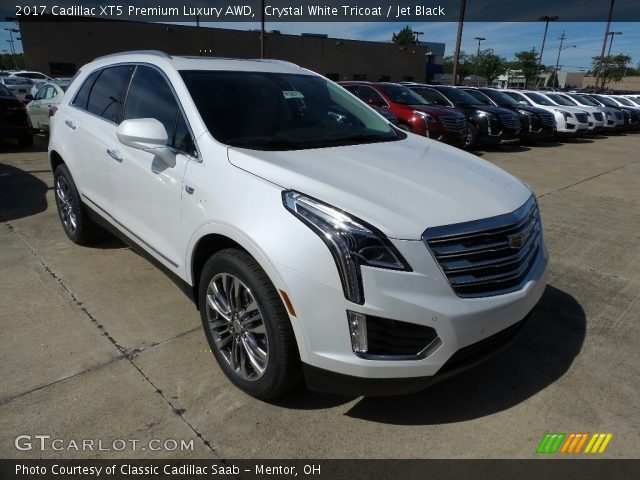 2017 Cadillac XT5 Premium Luxury AWD in Crystal White Tricoat