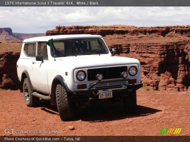 1976 International Scout II Traveler 4x4 in White