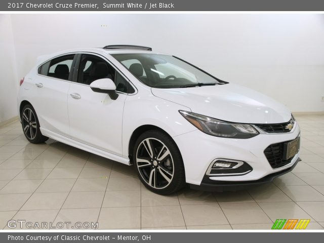 2017 Chevrolet Cruze Premier in Summit White