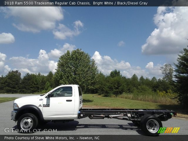 2018 Ram 5500 Tradesman Regular Cab Chassis in Bright White