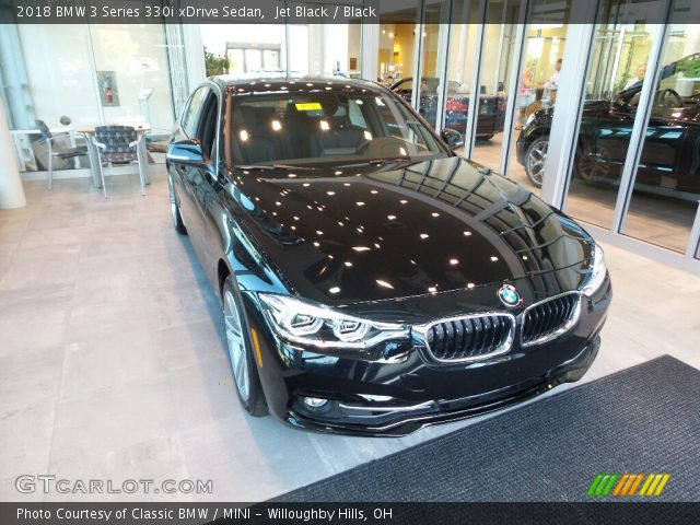 2018 BMW 3 Series 330i xDrive Sedan in Jet Black