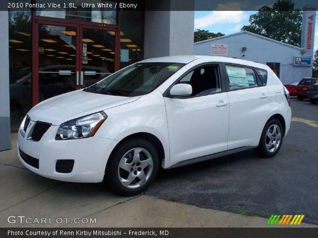 2010 Pontiac Vibe 1.8L in Ultra White