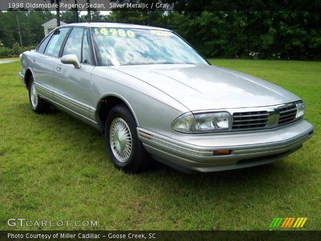 1998 Oldsmobile Regency Sedan in Silver Metallic