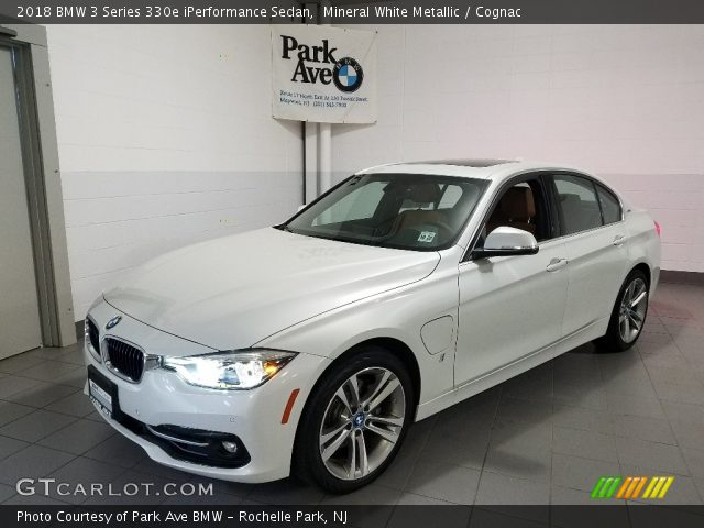 2018 BMW 3 Series 330e iPerformance Sedan in Mineral White Metallic