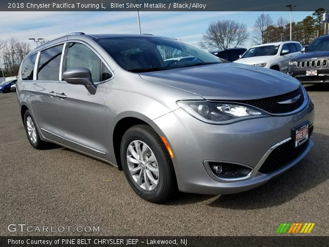 2018 Chrysler Pacifica Touring L in Billet Silver Metallic
