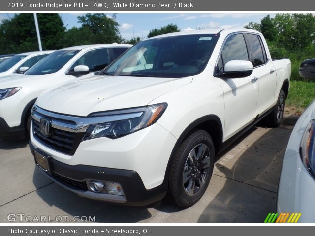 2019 Honda Ridgeline RTL-E AWD in White Diamond Pearl