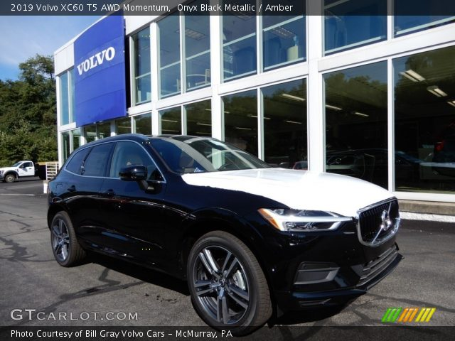 2019 Volvo XC60 T5 AWD Momentum in Onyx Black Metallic