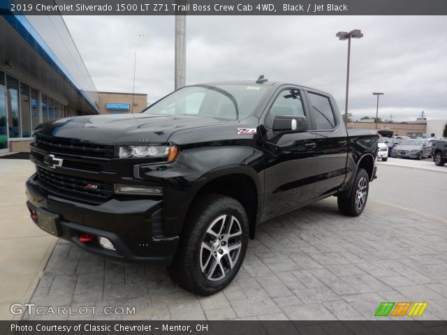 2019 Chevrolet Silverado 1500 LT Z71 Trail Boss Crew Cab 4WD in Black