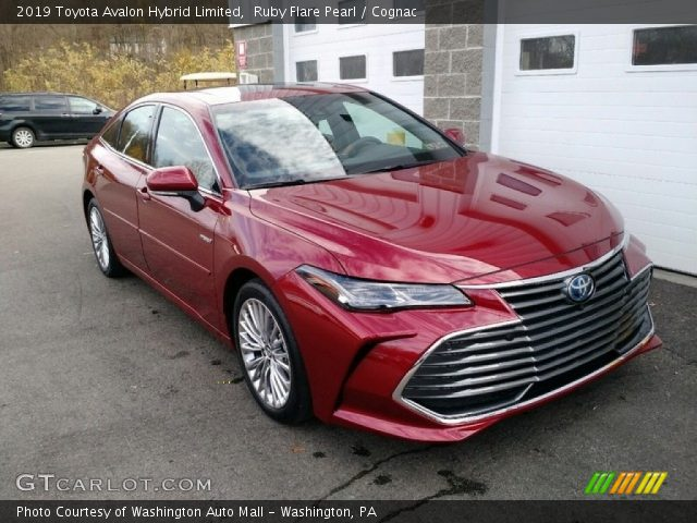 2019 Toyota Avalon Hybrid Limited in Ruby Flare Pearl