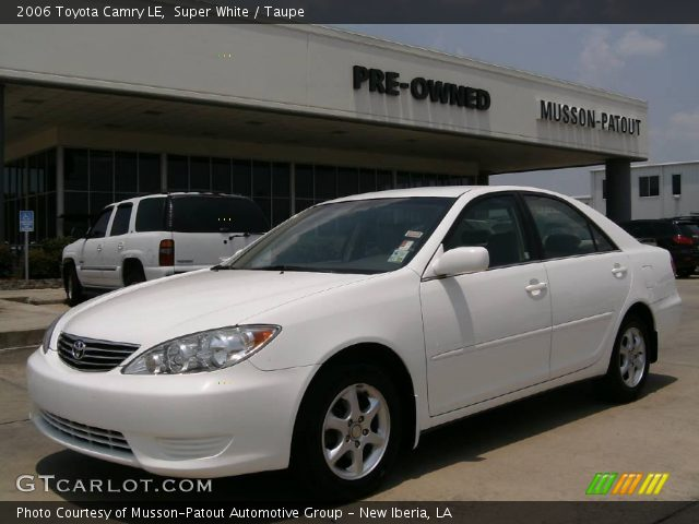 super white 2006 toyota camry le taupe interior vehicle. Black Bedroom Furniture Sets. Home Design Ideas