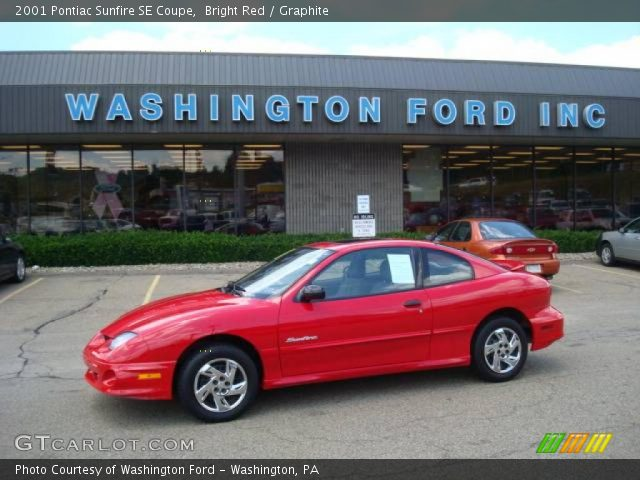 2001 Pontiac Sunfire SE Coupe in Bright Red. Click to see large photo.