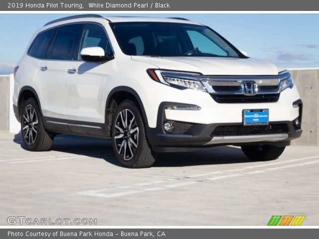 2019 Honda Pilot Touring in White Diamond Pearl