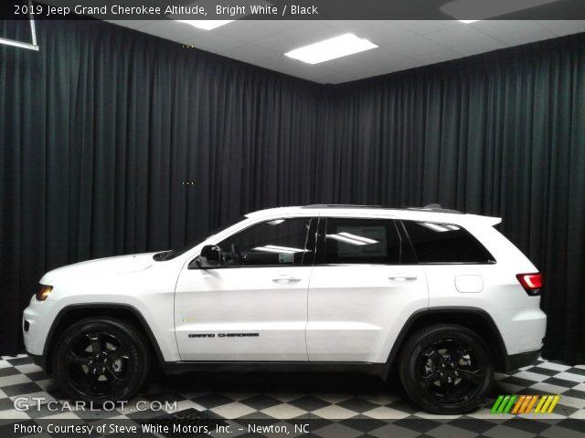 2019 Jeep Grand Cherokee Altitude in Bright White