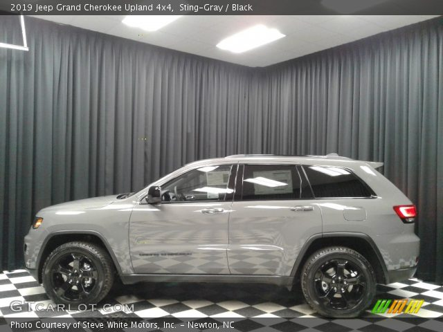 2019 Jeep Grand Cherokee Upland 4x4 in Sting-Gray