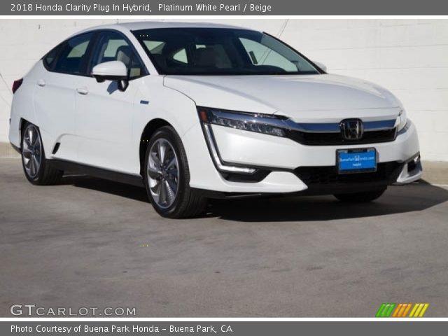 2018 Honda Clarity Plug In Hybrid in Platinum White Pearl