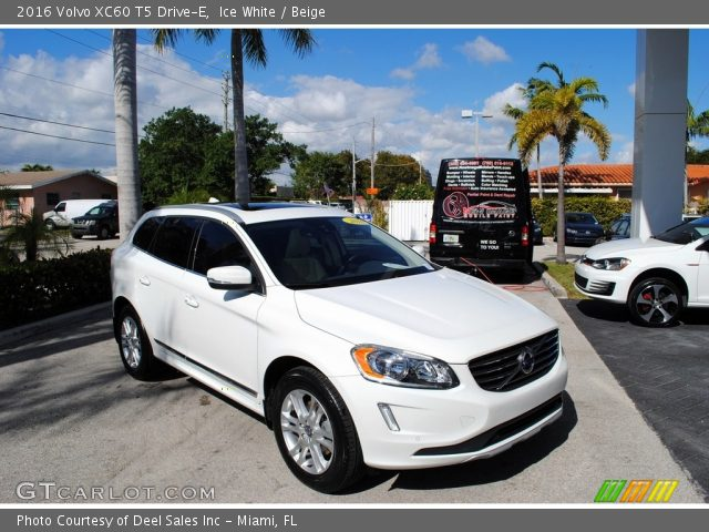 2016 Volvo XC60 T5 Drive-E in Ice White