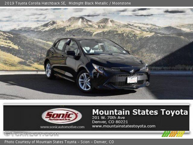 2019 Toyota Corolla Hatchback SE in Midnight Black Metallic
