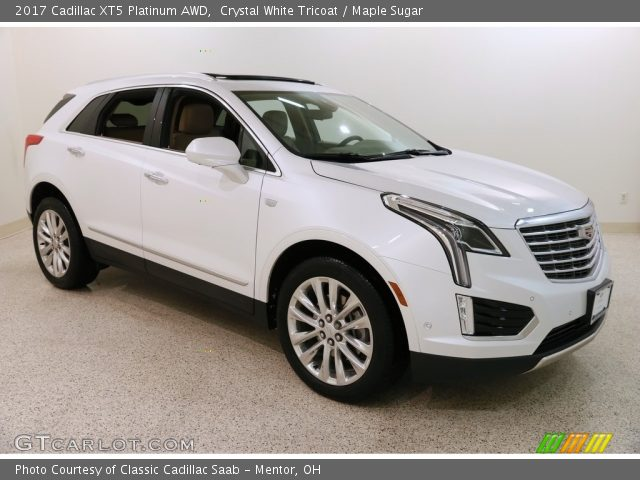 2017 Cadillac XT5 Platinum AWD in Crystal White Tricoat