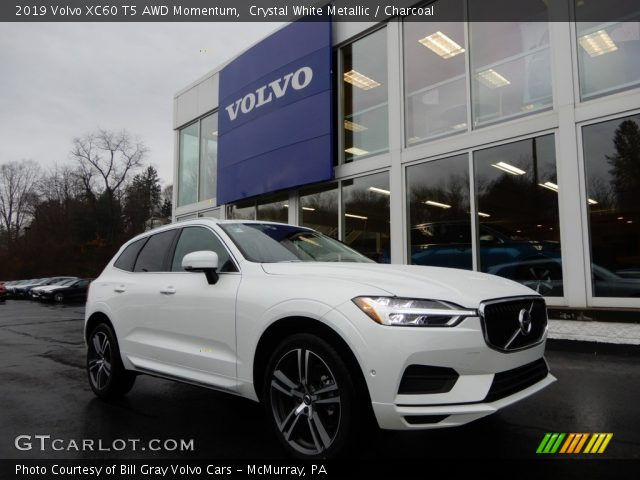 2019 Volvo XC60 T5 AWD Momentum in Crystal White Metallic