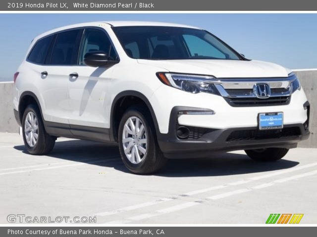 2019 Honda Pilot LX in White Diamond Pearl