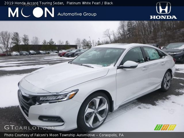 2019 Honda Accord Touring Sedan in Platinum White Pearl
