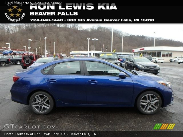 2019 Kia Forte S in Sea Blue