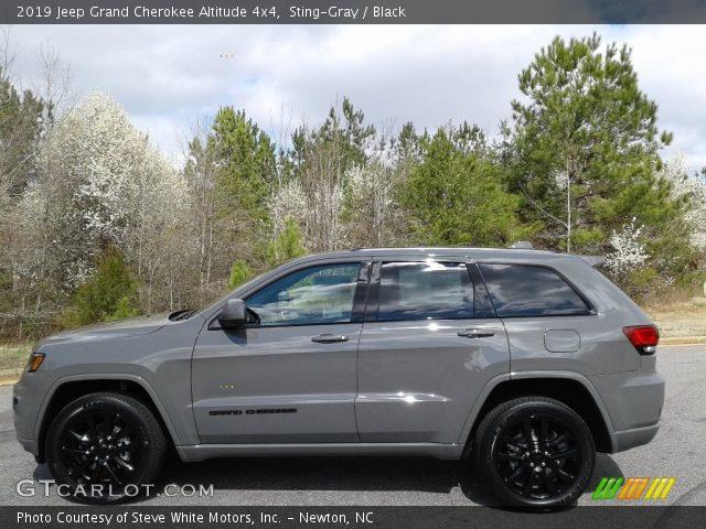 2019 Jeep Grand Cherokee Altitude 4x4 in Sting-Gray