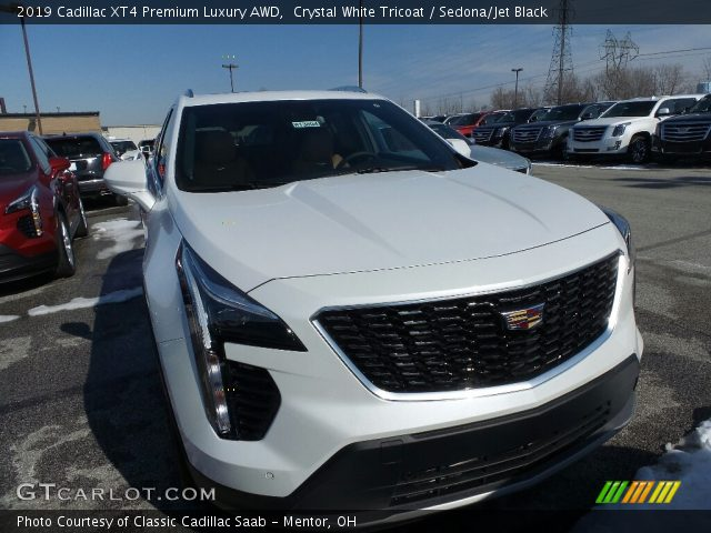 2019 Cadillac XT4 Premium Luxury AWD in Crystal White Tricoat