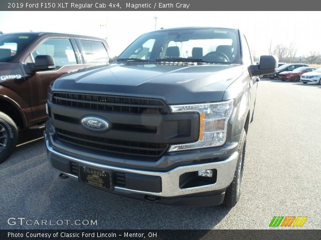 2019 Ford F150 XLT Regular Cab 4x4 in Magnetic