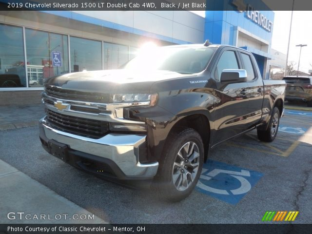 2019 Chevrolet Silverado 1500 LT Double Cab 4WD in Black