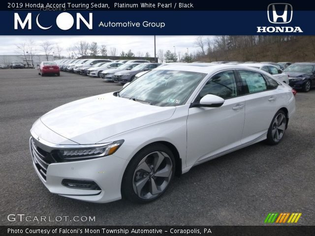 2019 Honda Accord Touring Sedan in Platinum White Pearl