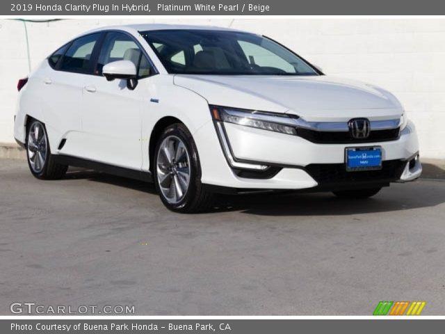 2019 Honda Clarity Plug In Hybrid in Platinum White Pearl