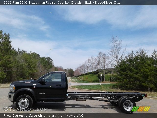2019 Ram 5500 Tradesman Regular Cab 4x4 Chassis in Black