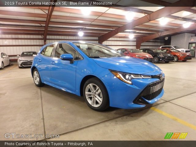 2019 Toyota Corolla Hatchback SE in Blue Flame