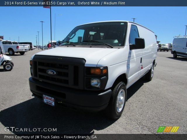 2014 Ford E-Series Van E150 Cargo Van in Oxford White